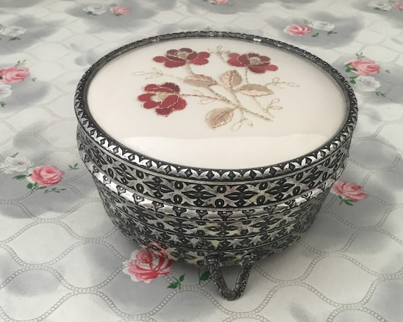 Regent of London powder bowl c 1950s, silver tone Dressing table trinket jar with embroidered red roses
