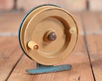 Vintage Fishing Reel - Fishing Reel - Working Fishing Reel - USSR fishing reel - Fishing gift - Old Fishing Reel - Fly fishing reel - Reel