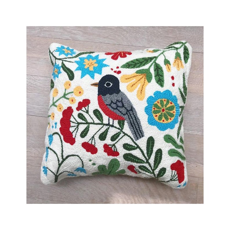 DOWNLOAD ONLY PDF/ Robin Pillow/ Punch Needle image 0