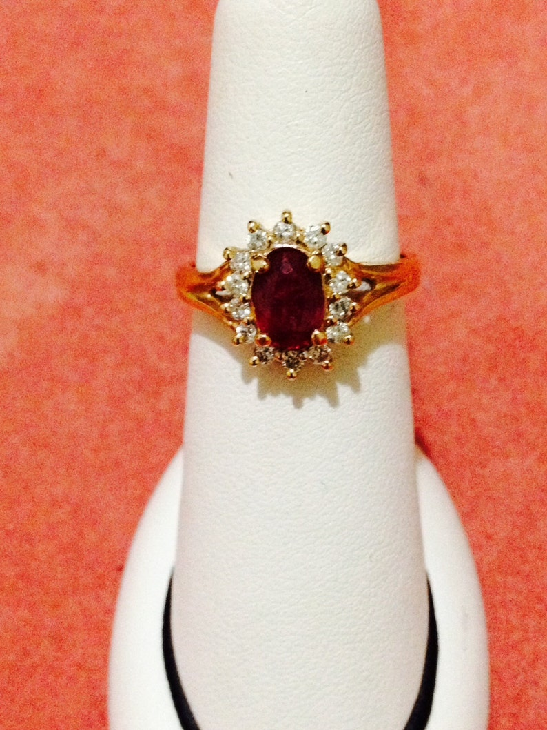 c74f2feba9da Anillo bailarina rubí y diamante 14k amarillo oro tamaño 6