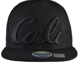 Cali Black Hat Black Brim Black Embroidered Snap-Back Flat Brim 081dcf7c0b89