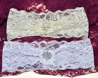 SALE! Lace Ivory and White Bridal Garter Wedding  Accessories