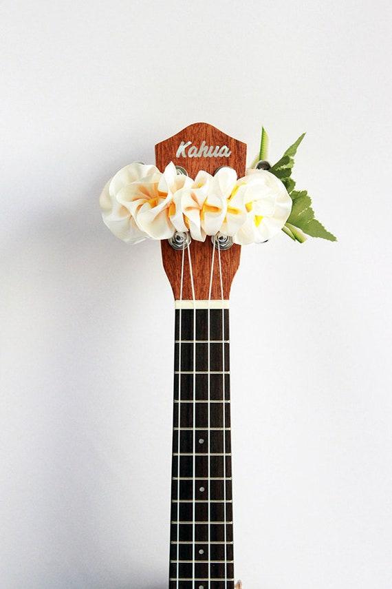 WP hibiscus Hawaiian ukulele ribbon lei handmade by ukuhappy