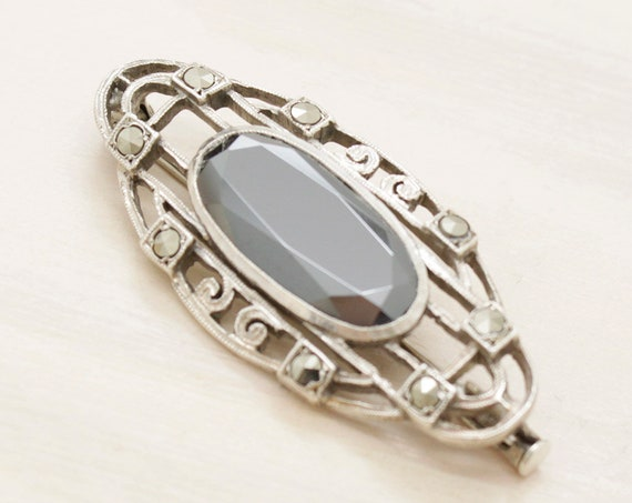 Vintage art deco brooch with hematite, Vintage silver art deco brooch with gemstone