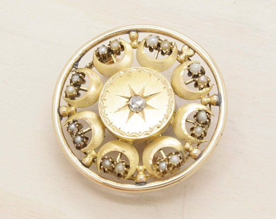 Antique georgian brooch made in gold with pearls and diamond, vintage 22k gold brooch with diamond pre victorian