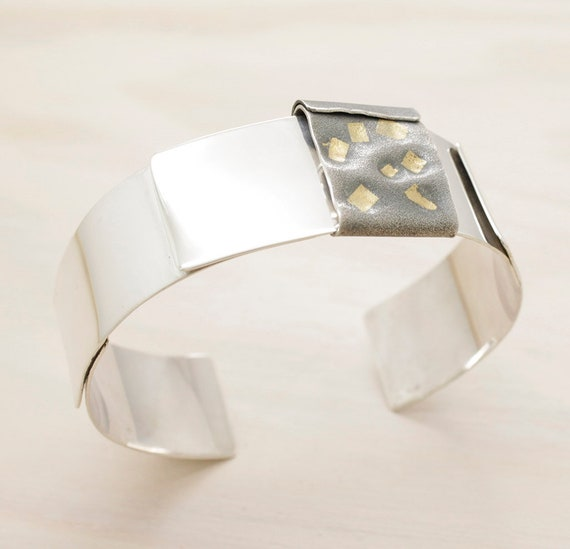 Handmade keum boo silver bangle with gold, minimal  bangle with texture and 24k gold