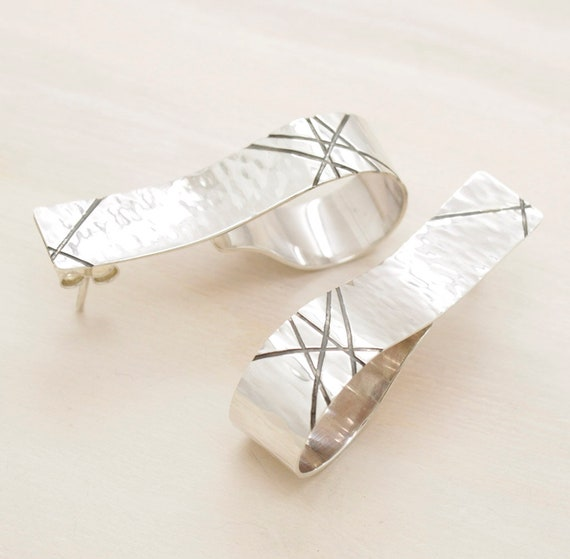 Handmade silver minimal  earrings with texture, long earrings with geometric texture and patina