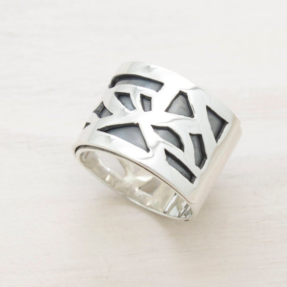 Handmade silver band ring with fretwork, minimal  ring with geometrical design