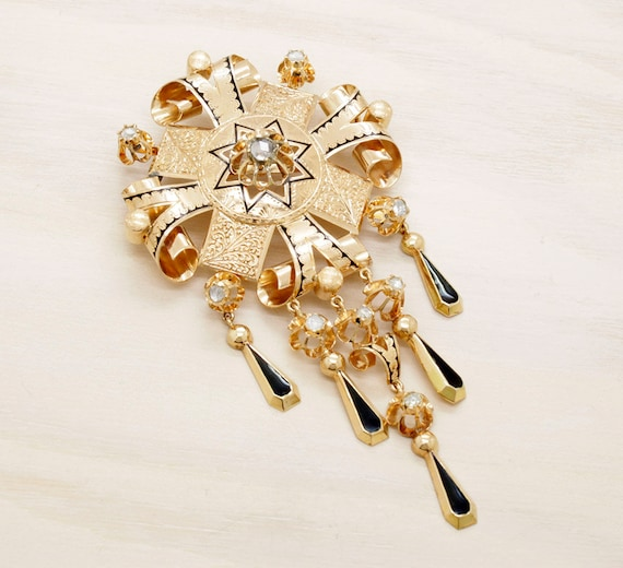 Vintage victorian style gold brooch with diamonds, antique 18k gold brooch with natural diamonds handcarved