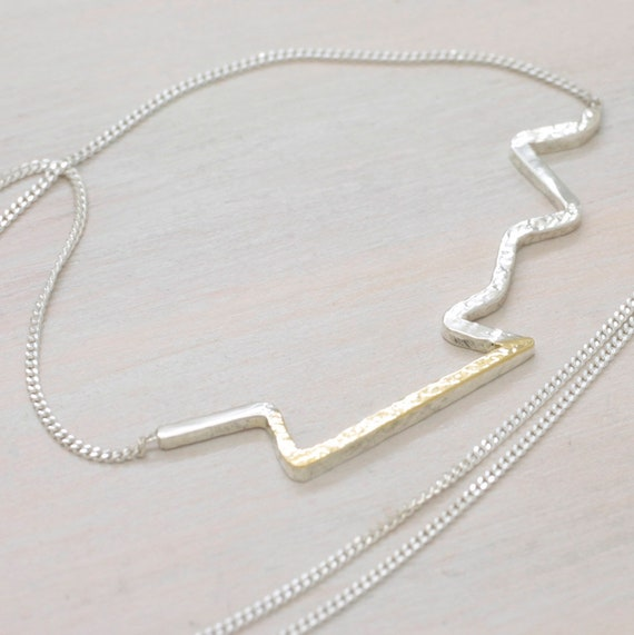 Handmade silver minimal necklace zig zag with chain, dainty necklace with texture and golden detail