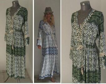 9b30c790223c56 Boho Kleid, Hippie Kleid, Kleid Ibiza, Ethno Ikat Kleid, Sommerkleid lang,  Maxikleid Damen, Kleid grün weiss, Kleid mit Spitze, Tunika Frau
