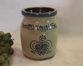 North Royalton 5.5 quot Crock made by Beaumont Brothers Pottery, BBP of Roseville, Ohio, Excellent Condition