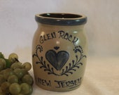 Glen Rock, New Jersey 5.5 quot Crock made by Beaumont Brothers Pottery, BBP of Roseville, Ohio, Excellent Condition