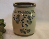 Glenmoore, PA 5.5 quot Crock made by Beaumont Brothers Pottery, BBP of Roseville, Ohio, Excellent Condition