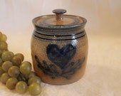 Guernsey Ohio Salt of Thee Earth Stoneware Potpourri Crock with Lid - Blue Hand Painted Heart Design, Excellent Condition, Artist Signed