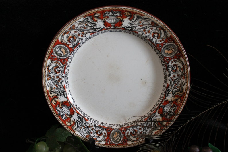 1862 Red Florentine Griffins Urns RARE MINTON /& Co and Cameo Earthenware Dinner Plate