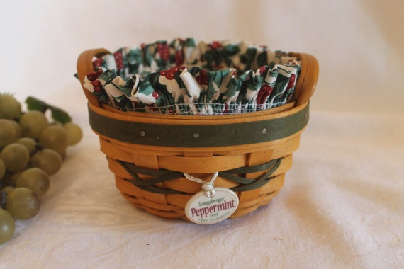 Longaberger Christmas Basket.Longaberger Peppermint Tree Trimming Christmas Basket Combo With Cloth Holly Liner Plastic Protector And Tie On