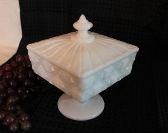 Westmoreland White Milk Glass Old Quilt Footed Candy Dish with Lid in Excellent Condition