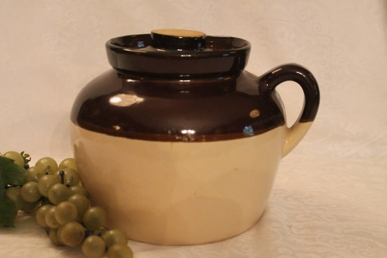 Vintage USA Pottery 2 Quart Bean Pot in Two Tone Brown Excellent Condition