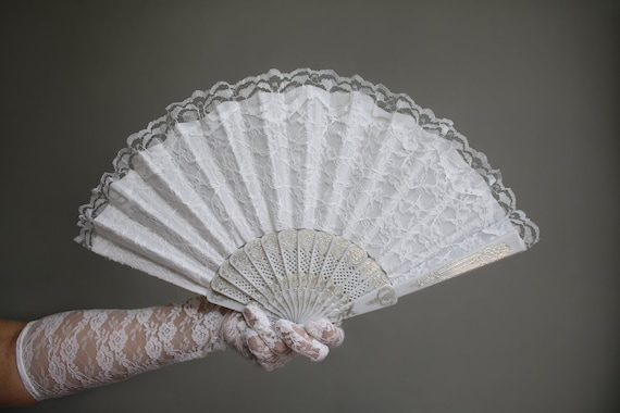 White Hand Held Fan (Wedding Fan Bride Bridal Spanish Costume Performer  Dancer Bridesmaids Burlesque Victorian Hand Fan Favor Lace Fan)