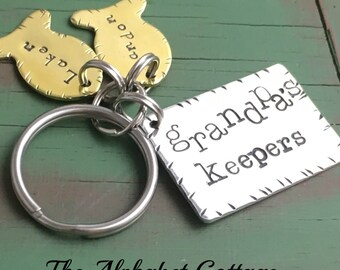 Grandpa's Keepers Fishing Keychain--Gift for Grandpa--Keychains for Men--Fisherman Keychain--Kids' Names Keychain--Grandad--Papaw--Pops