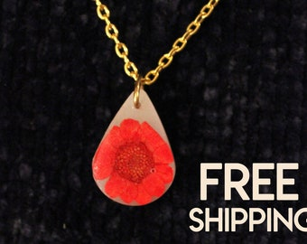Real Flower Jewelry, Resin Jewelry, Pressed Red Multicule Necklace, Dried Flower Jewelry, Real Multicule Flower Resin, Resin Pendant