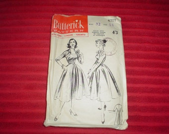1950's Full Skirted Dress with Portrait Neckline - Vintage Sewing Pattern - Buterick 6707 - Size 14 Bust 32