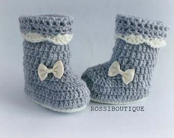 Crochet baby boots, Crochet baby booties, Gray baby shoes, Gray boots, Newborn shoes, Baby girl shoes, Crib shoes, Newborn baby boots