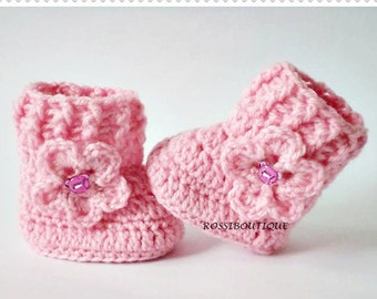 Crochet baby booties Pink baby boots Knitted baby booties Baby shoes Baby girl shoes Crib shoes Newborn baby shoes