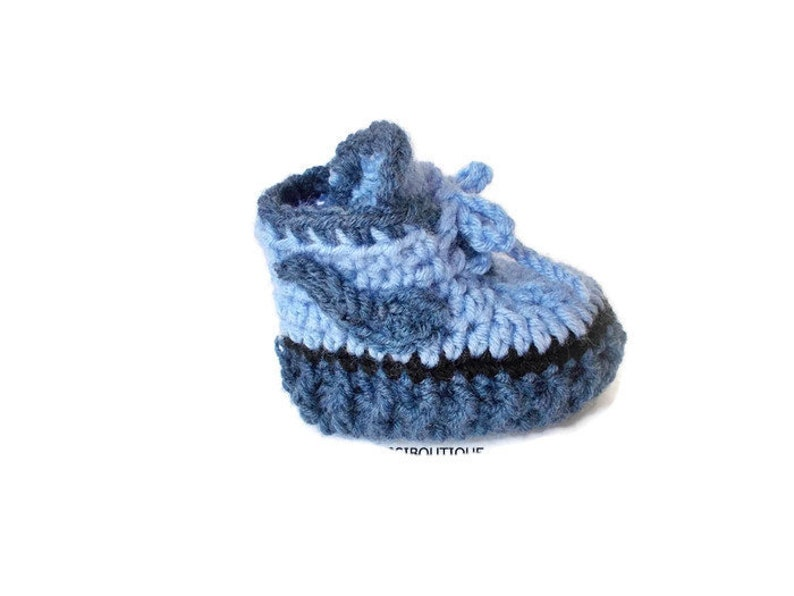 3a5bd71637dc2 Baby Crochet shoes Yeezy boots Baby sneakers Blue Crochet baby shoes Baby  boots Newborn shoes First shoes Coming home Converse