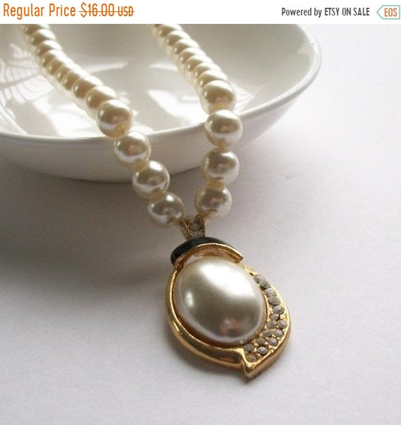 SUMMER SALE Pearl Choker Necklace Gold Faux Pearl Necklace Rhinestone Jewelry Gold Necklace Fancy Necklace Pearl Jewelry Vintage Jewelry
