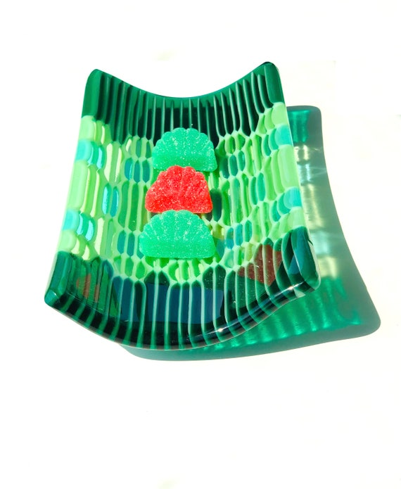 """Small """"Honeycomb"""" fused Glass Tray in Spring Green ."""