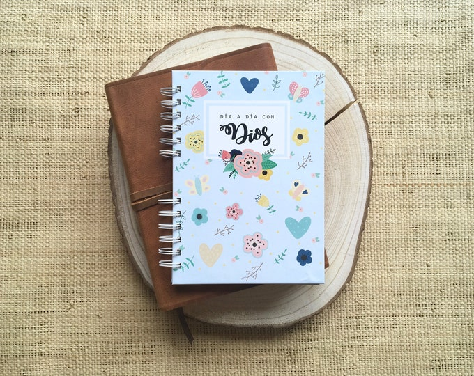 "Featured listing image: Planner ""day by day with God"" - A5 size"