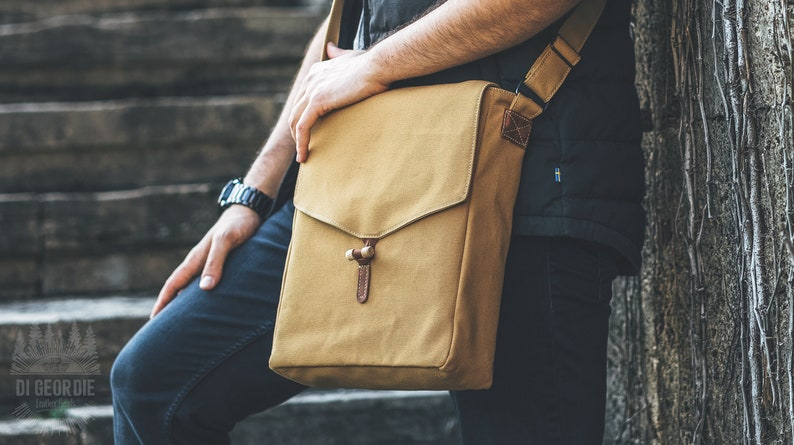 Men laptop bag men waxed canvas messenger bag men small  27e162949affe