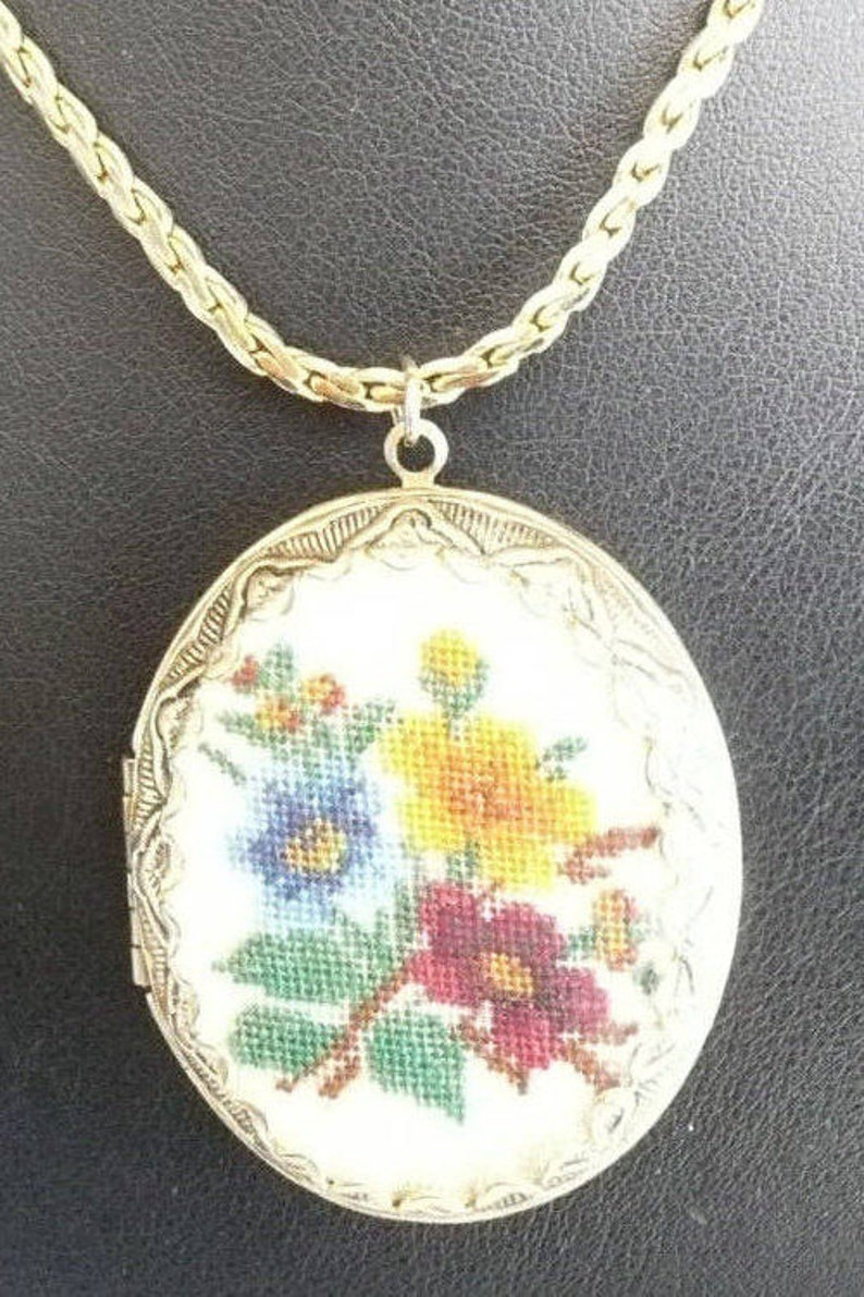 Floral Petite Point Locket and Chain Vintage Locket Flower Locket Vintage Jewelry Vintage Locket Necklace