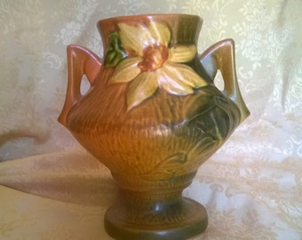 REDUCED!!!     ROSEVILLE Pottery Clematis Vase, Brown 188-6