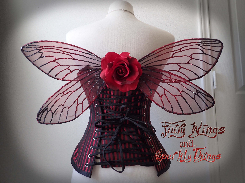 Ailes de fée adulte holographique rouge et noir avec avec avec cigale ou libellule comme détails idéal pour costume de fée gothique - prêt à expédier 0ac694