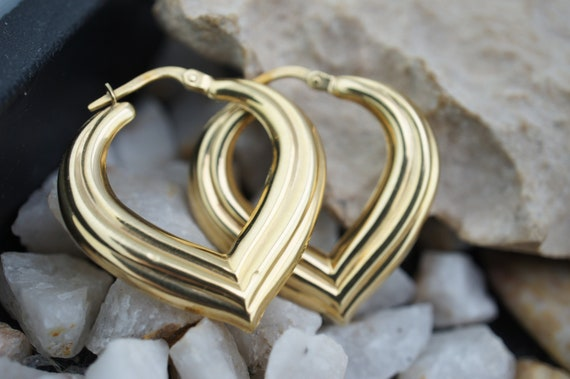 14k SOLID GOLD Art deco Vintage Jewelry Bolt Stud Earrings Yellow Gold carved heart hearts Fashion Earrings   G