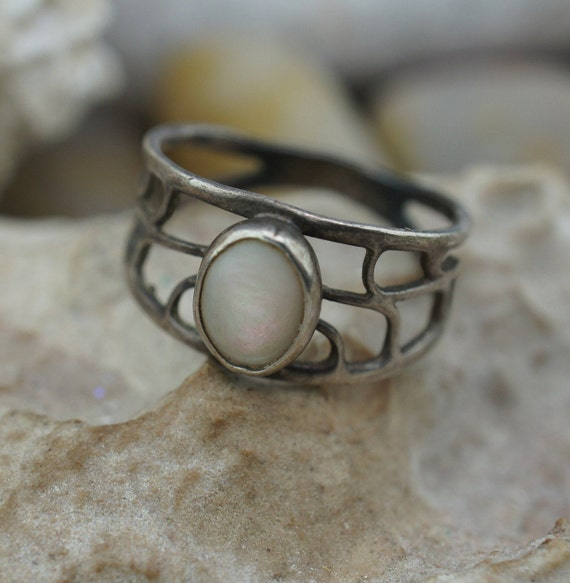 Vintage Sterling Silver Marquise Moon Stone Fancy Ribbed Etched Scrolled Band Ring Size 6       **RL