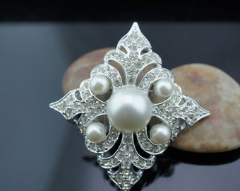 Jewelry Vintage Signed SARAH COVENTRY Brooch/Broach/Pin Silver Tone CZ Faux Pearl Circa Minimalist Modernist Graceful sa308