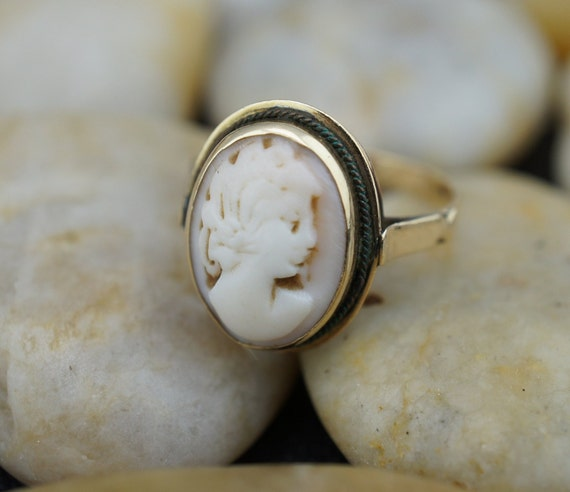 Vintage 14 k Yellow Gold Rectangle Roman style big fancy Cameo Band Ring Size 3.5     **RL
