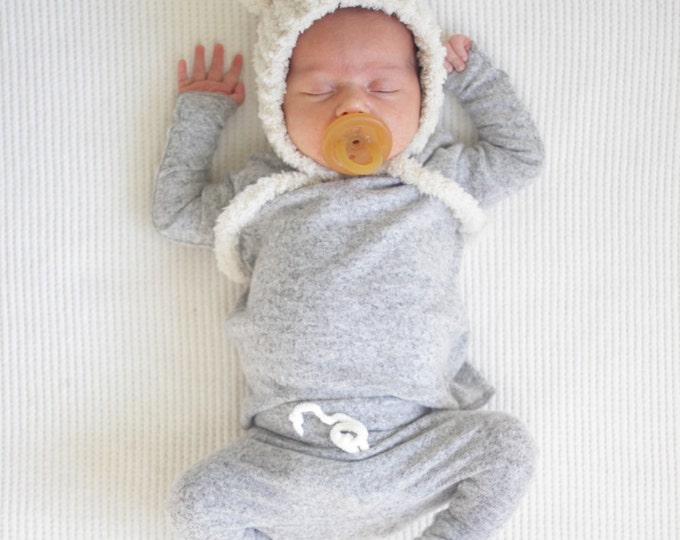 Featured listing image: Baby Unisex shirt and pants set, Harem pants, Long sleeve tee, Modern cothes