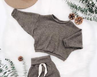 Baby Unisex shirt and pants set, Harem pants, Long sleeve tee, Oversized Sweater set, Modern cothes