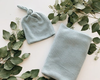 Baby Blanket, Swaddle blanket and Beanie set, Coming home outfit, Baby Blue blanket set.