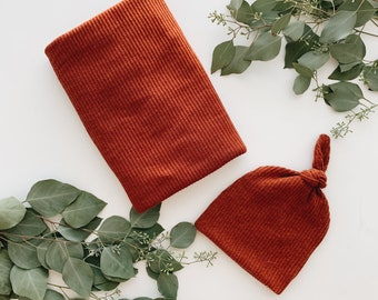 Baby Blanket, Swaddle blanket and Beanie set, Coming home outfit,  Rust Ribbed blanket set.