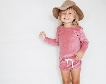 Baby Unisex shirt and pants set, Oversized sweater and shorties , Plush Raspberry set, Modern clothes