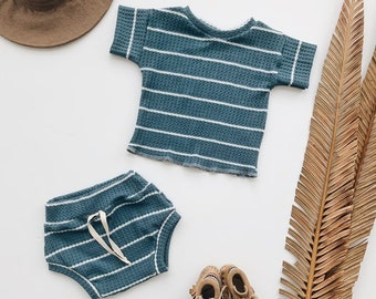 Baby Unisex shirt and pants set, Oversized tee and shorties , Wave  thermal set, Modern clothes