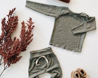 Baby Unisex shirt and pants set, Harem pants, Long sleeve tee, Olive Knit Set, Modern cothes