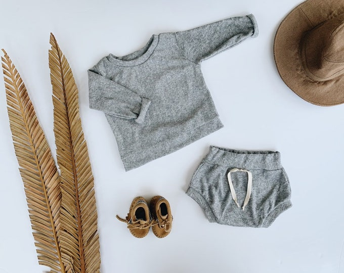 Featured listing image: Baby Unisex shirt and pants set, Oversized sweater and shorties , Grey Terry set, Modern clothes