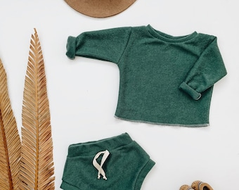 Baby Unisex shirt and pants set, Oversized sweater and shorties , Emerald Terry set, Modern clothes